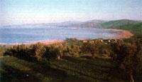 Вид на северный берег Тразименского озера с его восточной стороны